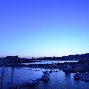 夕方の海と空